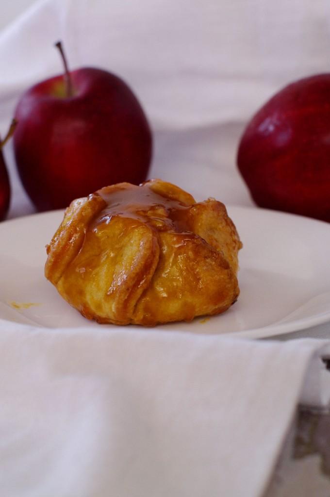 easy caramel apple tarts