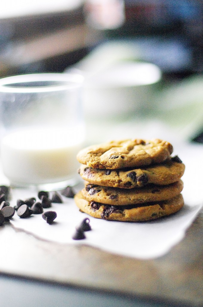 Chunky Chocolate Chip Cookies and a linky