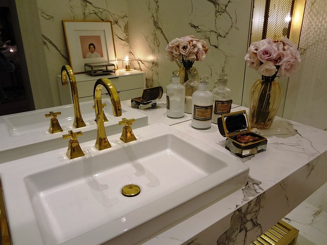 7 Must-Haves For Your Guest Bathroom