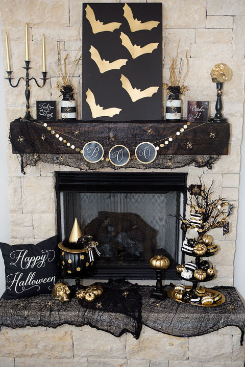 gallery-1471964163-1-halloween-mantel