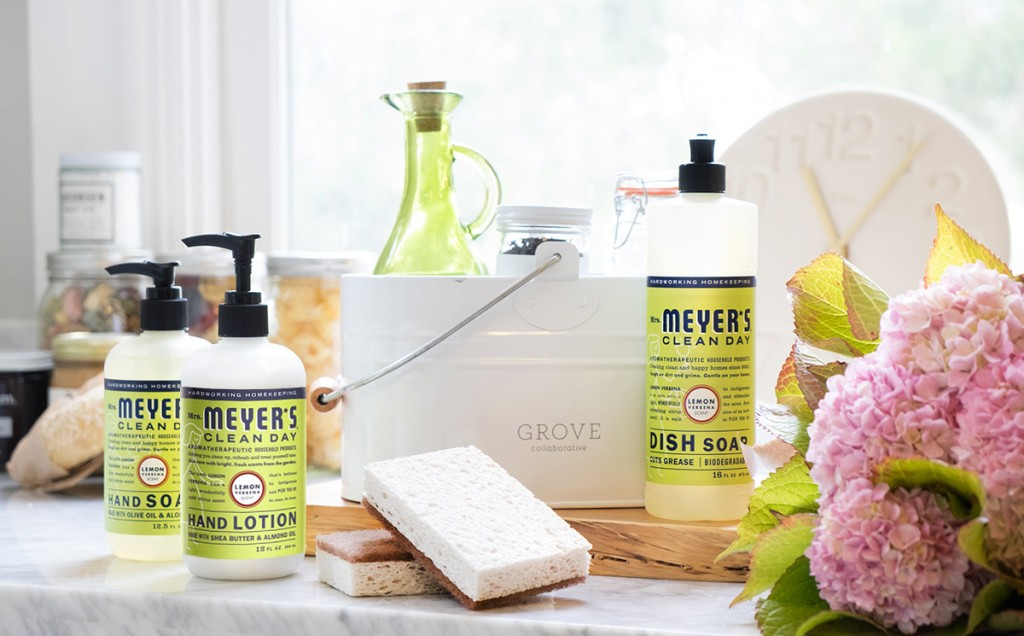 6 Cleaning Tips To Make Your Kitchen Shine + Grove Special