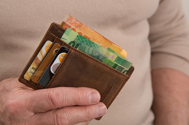 mistakes people make when tackling  debt